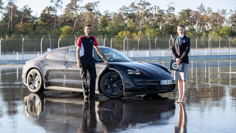 Porsche Taycan record pilote