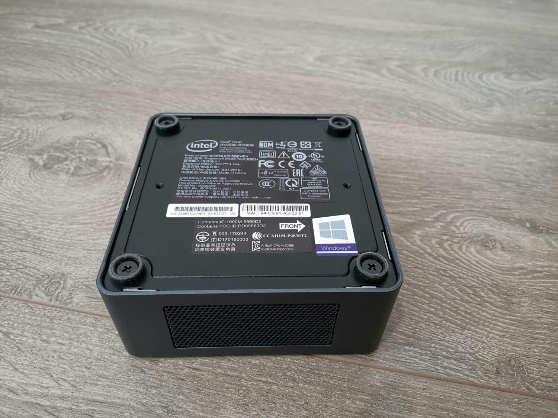 Intel NUC 8i5BEH dessous
