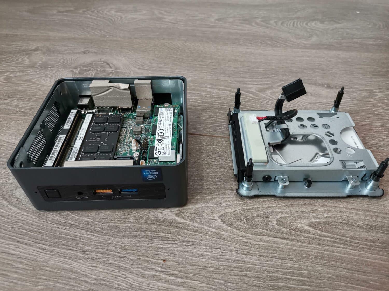 Intel NUC 8i5BEH démonté