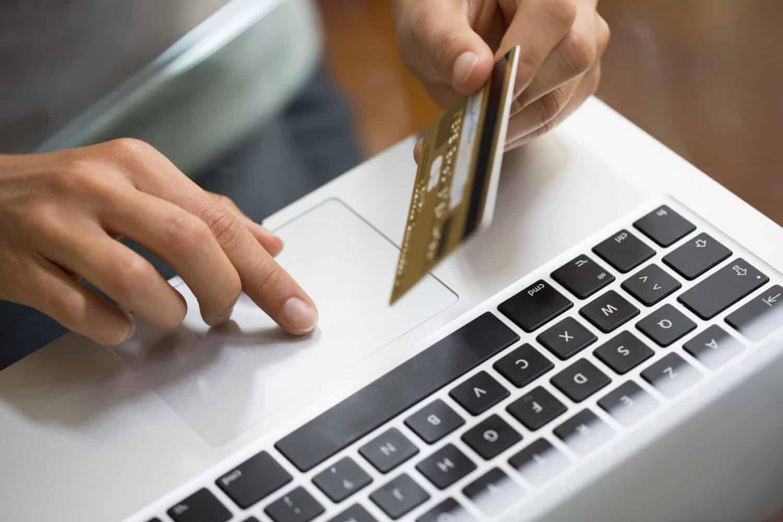 Les commandes en ligne de l'étranger coûteront plus chères LCDG