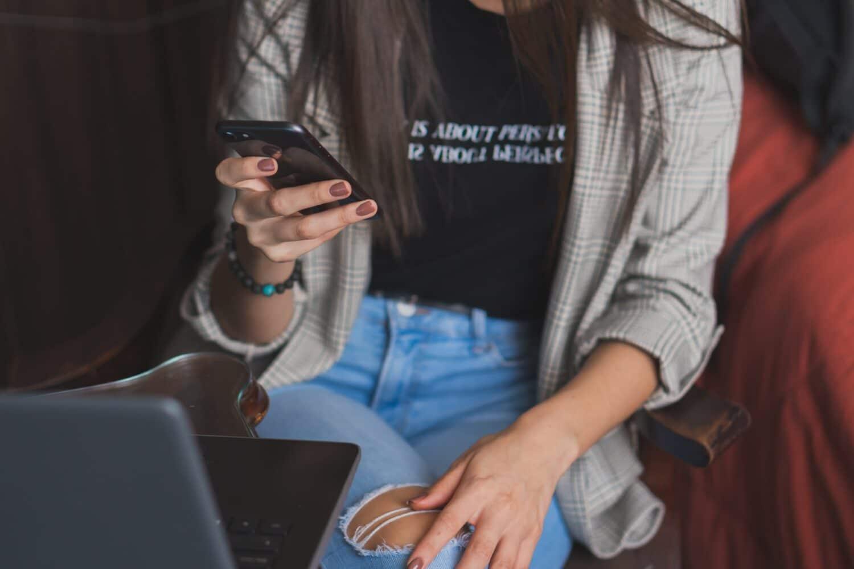femmes-exposees-harcelement-sites-rencontre