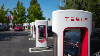 Tesla-etend-son-reseau-de-superchargeurs